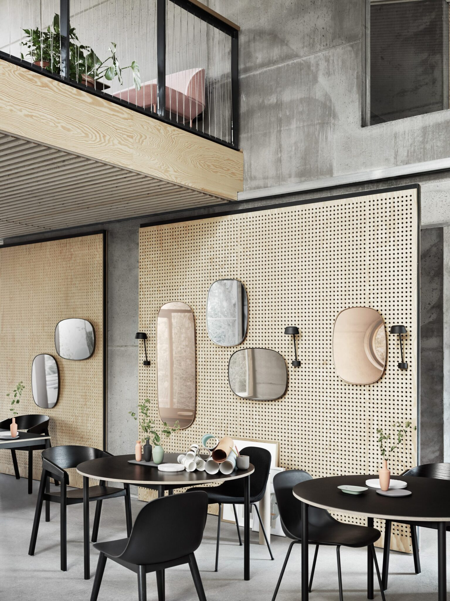 Framed_Mirrors_Cafe_Steeting_Lean_O110_Base_Table_med-res-scaled